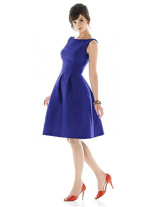 Alfred Sung Style D440 http://www.dessy.com/dresses/bridesmaid/d440/