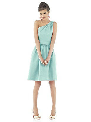 Alfred Sung Style D528 http://www.dessy.com/dresses/bridesmaid/d528/