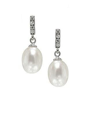 Pearl Deco Drop Earrings http://www.dessy.com/accessories/pearl-earrings-post/