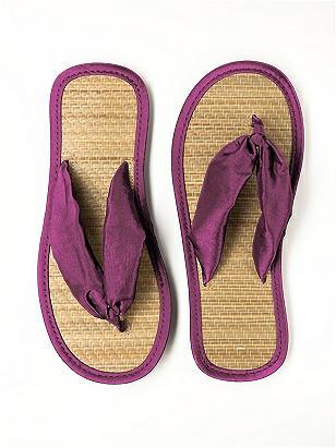 Iridescent Taffeta Flip Flops http://www.dessy.com/accessories/closeout-iridescent-taffeta-flip-flops/